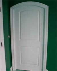 Межкомнатная арка из гипсокартона с дверью