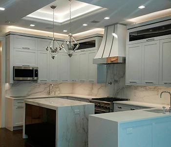 Потолок из гипсокартона на кухне